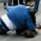Senatore massacrato di botte da due disoccupati